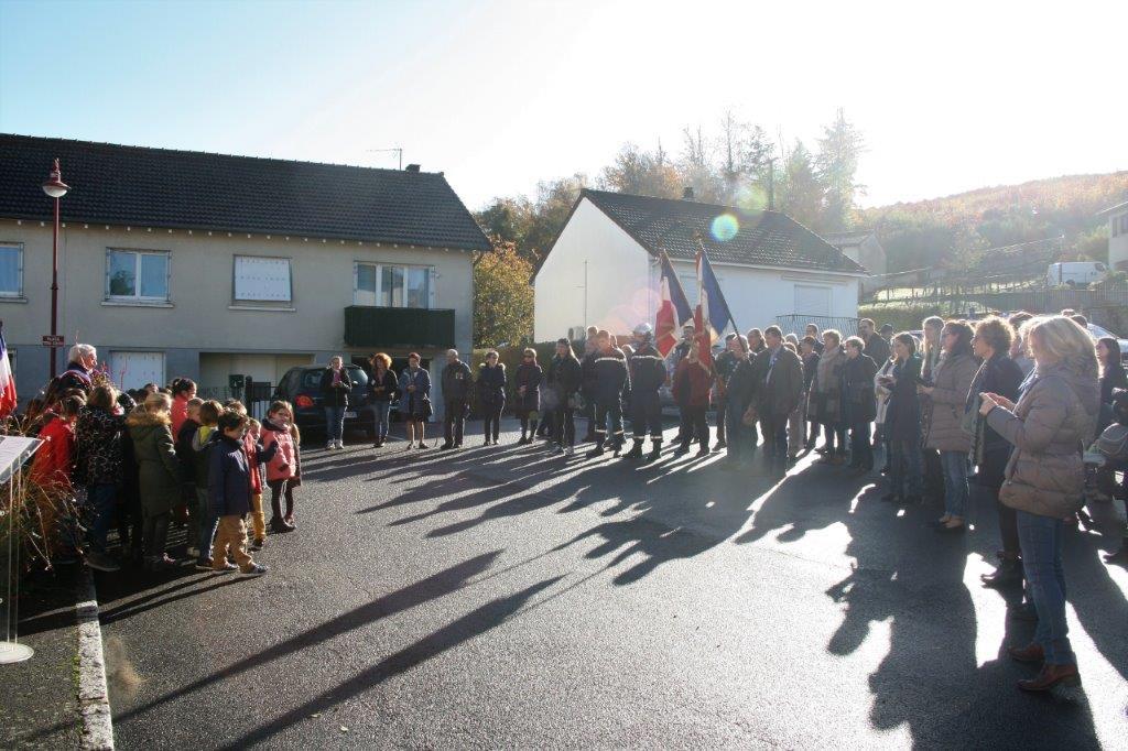 Photos des habitants de St-Martin-Terressus lors de la cérémonie du 11 novembre 2018.
